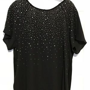 Vince Camuto Silver Stub black sheek top